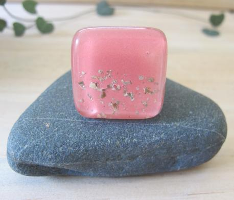 paititi-bague-grand-carre-rose-bonbon